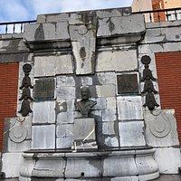 Monument to Claudio Alvargonzález