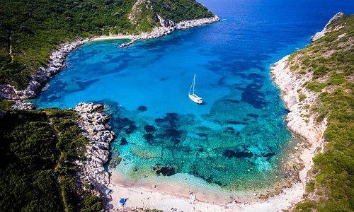 Wer Urlaub auf dem Wasser macht, erlebt die schönen Seiten des Lebens.