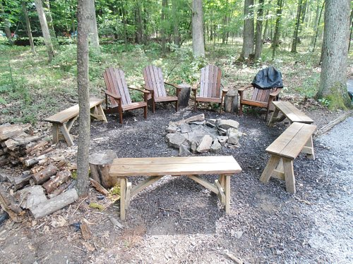 Rock Haul Overlooks Deep Creek Lake and accommodates up to 12 persons. It is family and pet friendly (with fee) rentals in Maryland