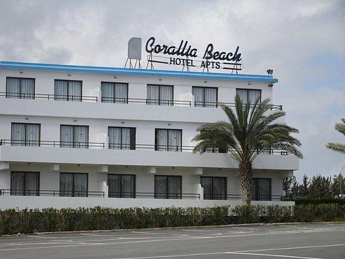 Рядом с пляжем этот отель