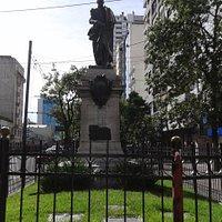 Monumento a Don Cornelio Saavedra en esquina de Avenidas Callao y Còdoba- (C.A.B.A)- Bs.As. 2019.
