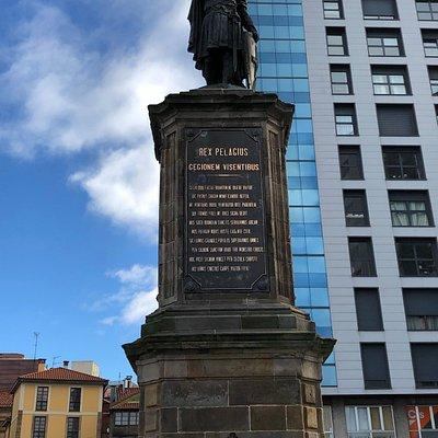 Estatua de Pelayo