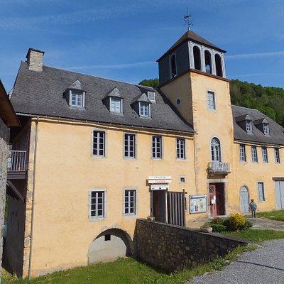 L'Office de Tourisme vous accueille dans le Château des Nestes, un monument inscrit au patrimoine de France.