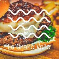 La Grand Voile warmest restaurant offering Classic Burger in Moorea