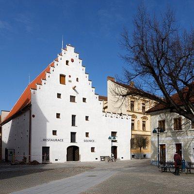 Pohled na rekonstruovanou budovu .:SOLNICE:.