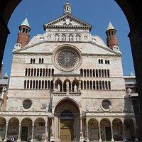 Facciata del Duomo di Cremona