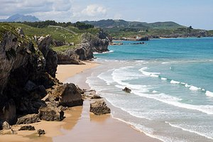The north coast of Spain often goes overlooked by British tourists - but it shouldn't. Just look at this gorgeous (and empty) beach near Llanes in Asturias!!