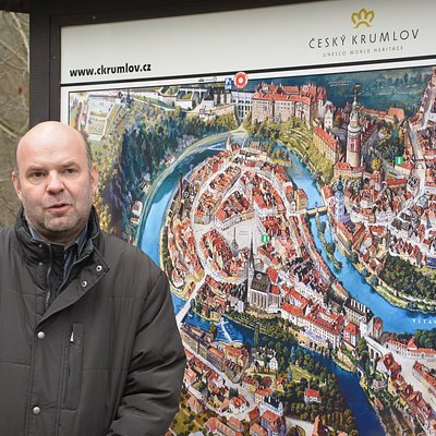 Hi!Story Tours  Explore the Magic of Český Krumlov! Private and exclusive walking tours.Just for you! Choose your local guide,tour and language(Česky,Deutch,English)