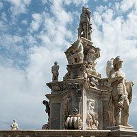 Fontein op Piazza della Vittoria