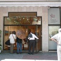 Galerie de peintures naïves, très bien située au centre de Tel Aviv