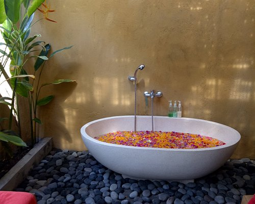 Treat yourself to bathing spices, fresh flowers,warm water in a tub... We  are sure your body feels like young