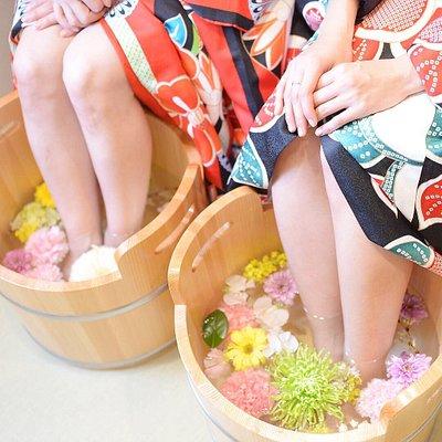 Japanese foot spa