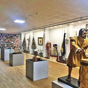 Interior del Museo de la Semana Santa y la Religiosidad Popular de Berja, espacio dedicado a las Cofradías y Hermandades de la ciudad