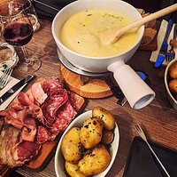 Our Signature 3 Cheeses Fondue and Charcuterie Board !