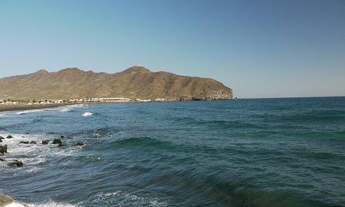 La falaise vue de loin