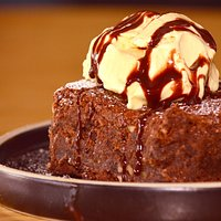Brownie de chocolate con nieve