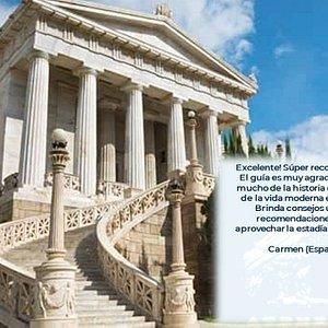 La biblioteca nacional de Grecia. Nuestro punto de encuentro para el tour.