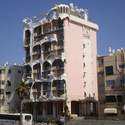 el edificio llamado Crazy House