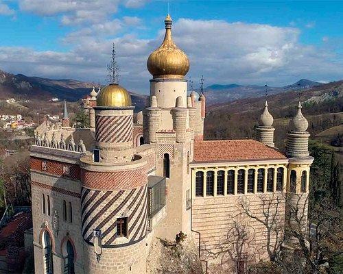 Tour Rocchetta Mattei e borghi antichi. Il castello del Conte Cesare Mattei.