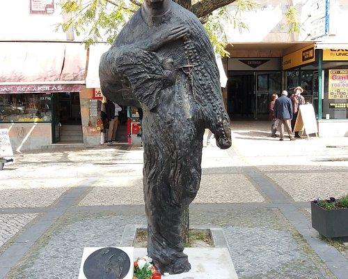 Estátua do Padre Luis Kondor