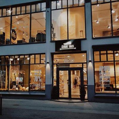 Shoe & Clothes Outlet Terbatas Street 13, Riga