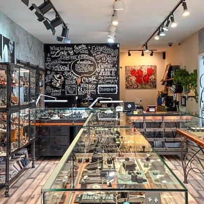Juvelisto Jewellery Design Studio and School of Metal Arts