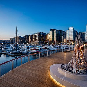 The District Wharf is a mile-long waterfront neighborhood in Washington, DC that brings dazzling water views, hot new restaurants, year-round entertainment, and waterside style all together in one inspiring location.