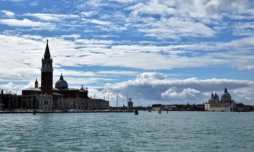 Venezia vista dal traghetto