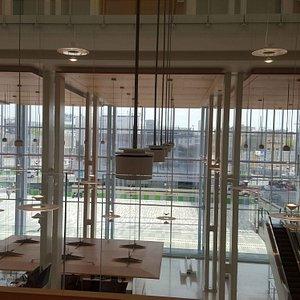 Tribunal de Paris : Hall