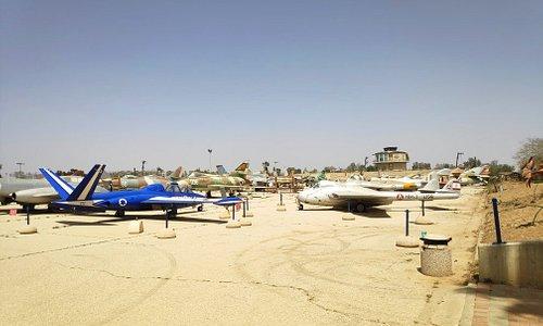 אזור הכלים נגד מטוסים הסגור