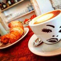 Cornetti e cappuccino