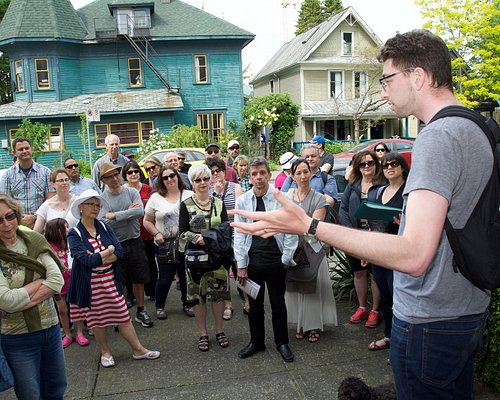 One of the JMABC tour guides shares the history of the first Jewish arrivals to BC.