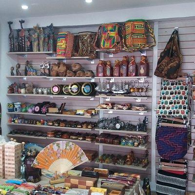 Tenemos gran surtido de Artesanías y artículos decorativos