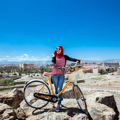 Pikala aims to improve the image of the bicycle to stimulate young local Moroccans in using the bicycle instead of polluting scooters mopets.