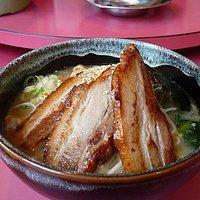 ボリューミーなチャーシュー麺です。