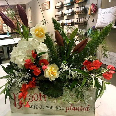 Made in 3 hours!! Fresh flowers enhance the wonderful flower box.