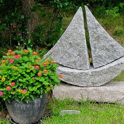 Sailboats and gardens in bloom