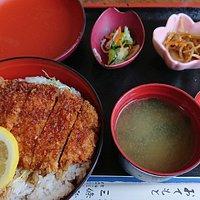 ソースかつ丼750円