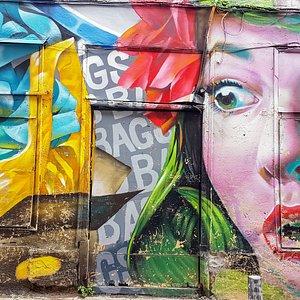 Graffiti tour Athens