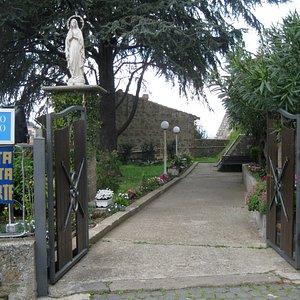 L'ingresso verso la Santa Grotta