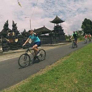 Bali Downhil Culture Cycling Tour through traditional Bali Village