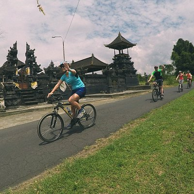 Bali Downhil Culture Cycling Tour through traditional Bali Village