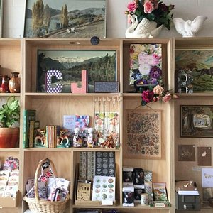 Cute eclectic shop Vintage design & handmade