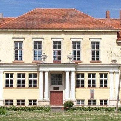 Uzugiris School and Museum
