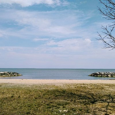 Westmoreland State Park, Montross, VA. Beautiful view of the Potomac River from the Beach Trail area of the park.