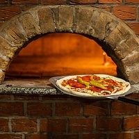 Pizza form wood-fired oven