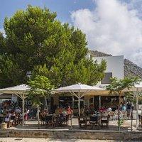 Conoce el Store Formentor Deli & Bistro a través de estas fotos del bistro, el store, los platos y nuestra espectacular terraza.