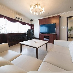 Apartment Size: 67 m² Apartment Facilities:  • Shower • Bathtub • Pay-per-view channels • TV • Telephone • Air conditioning • Hairdryer • Wake-up service/Alarm clock • Bathrobe • Spa tub • Refrigerator • Free toiletries • DVD Player • Toilet • Microwave • Private Bathroom • Heating • Slippers • Bathtub or shower • Flat-screen TV • Sofa • Wake-up service • Alarm clock • Bidet • Blu-ray player • City view • Towels • Upper floors accessible by elevator • Toilet paper