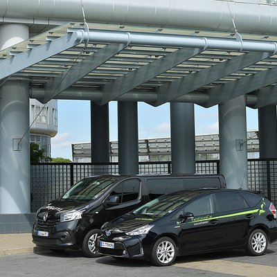 Airport Van - providing quality airport transfers in Paris since 1997