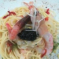 Spaghetti estivi(raffreddati) con seppia e crostacei marinati